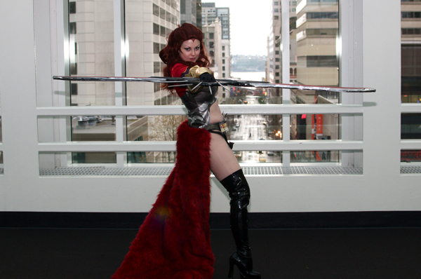 Lisa Weeks at SakuraCon 2011 (Annie Laurie Malarkey photo)