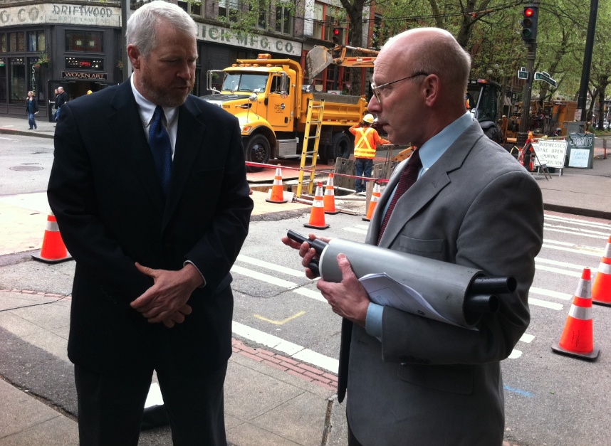 Former Mayor Mike McGinn discusses a Pioneer Square broadband project with then City of Seattle CTO Bill Schrier