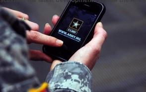 smartphones-soldiers