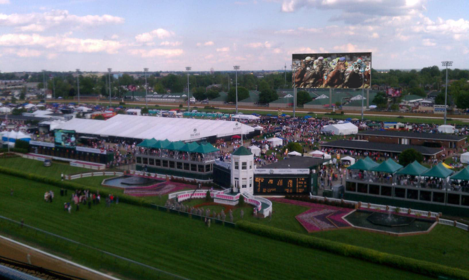 churchill downs will have the world's largest 4k display at 15,224