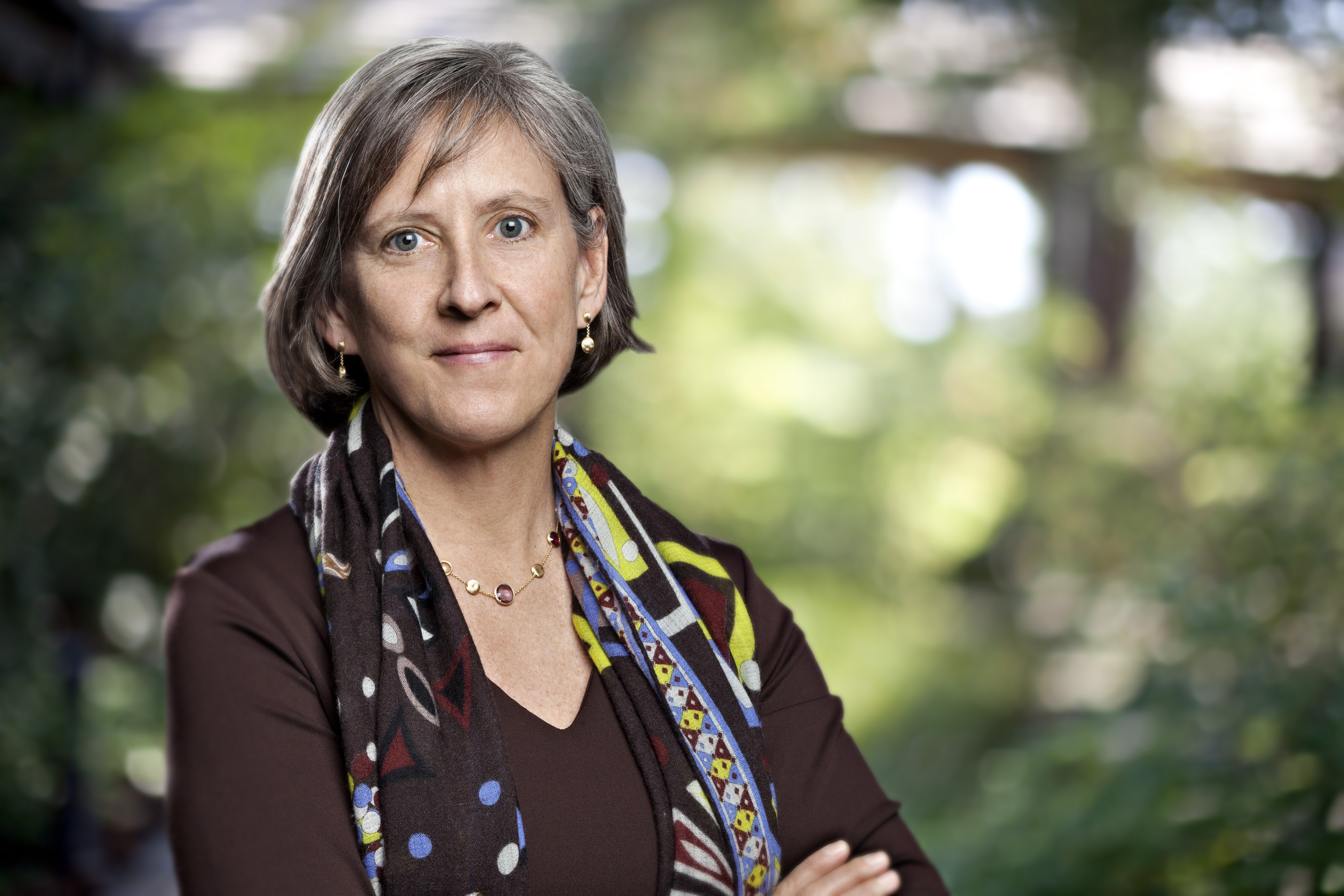 Mary Meeker's full Internet trends presentation: Mobile booming while online slows