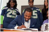 Richard Sherman signs a big contract with the Hawks