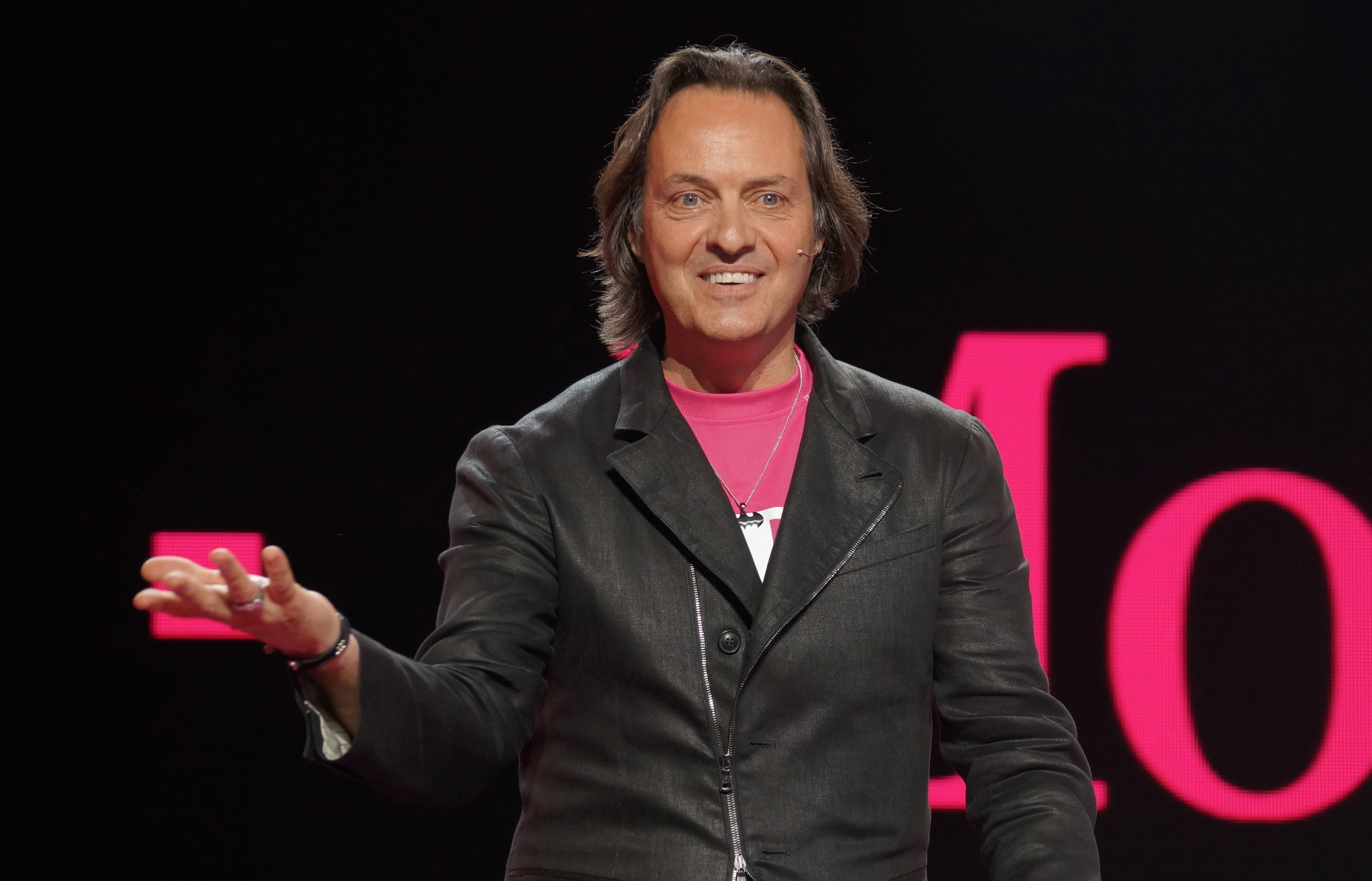 T Mobile Ceo John Legere Gets Salary Increase And Contract