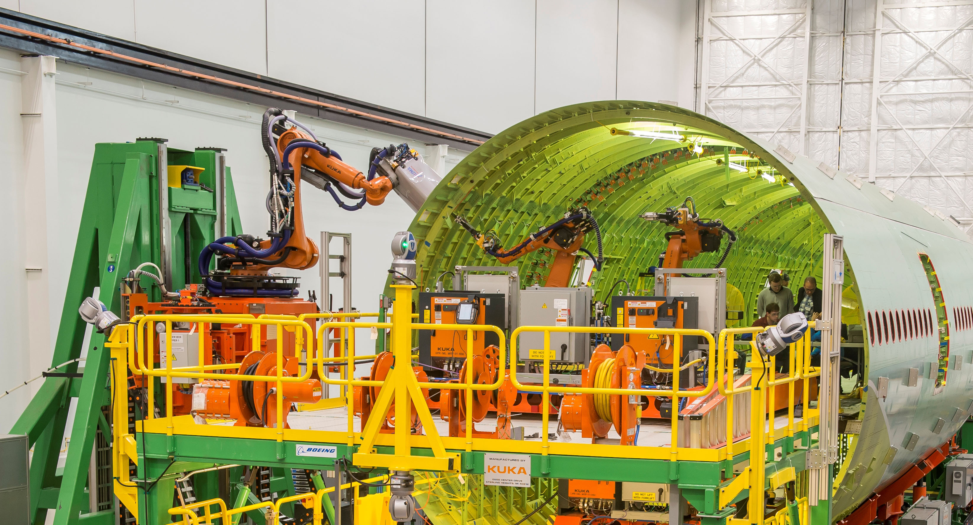 Bring on the robots! Boeing to build 777X fuselages with ...