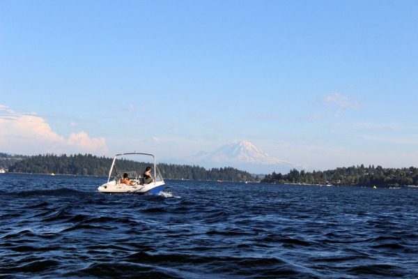 We tested Boatbound's service in 2014 and enjoyed another beautiful summer evening in Seattle.