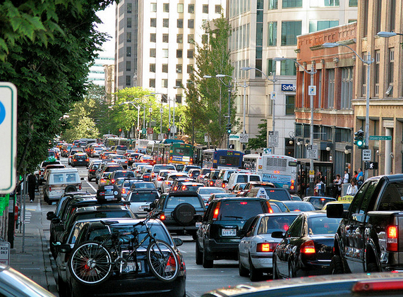 Seattle traffic along 2nd Avenue. (Photo via Oran Viri)