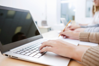 laptop-schoolsshutterstock_171031640
