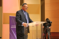 Tech companies need to do more to train women and people of color and students need to advocate for themselves, Rev. Jesse Jackson told University of Washington students Tuesday.