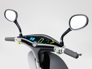Gogoro-Smartscooter-Dashboard-Tilt-View