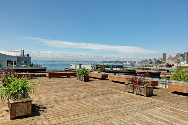 Galvanize, a new co-working space in Seattle, offers rooftop views.