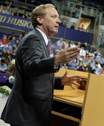 Microsoft's Brad Smith at the UW CSE graduation