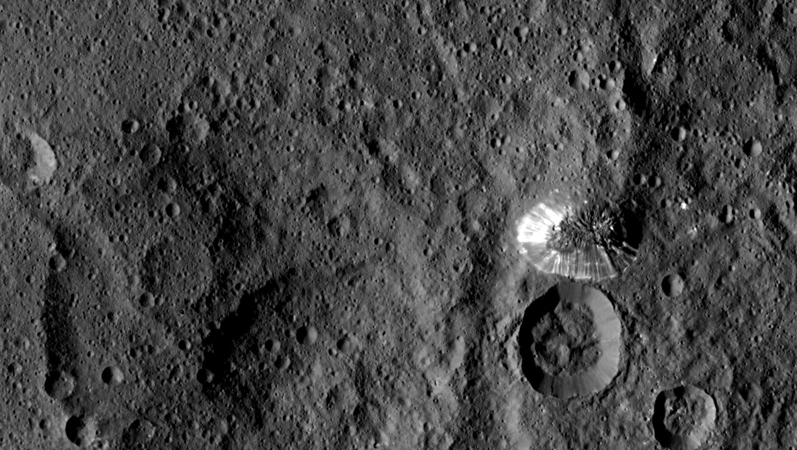 Ceres Pyramid Gets Its Close Up From Nasa S Dawn Probe