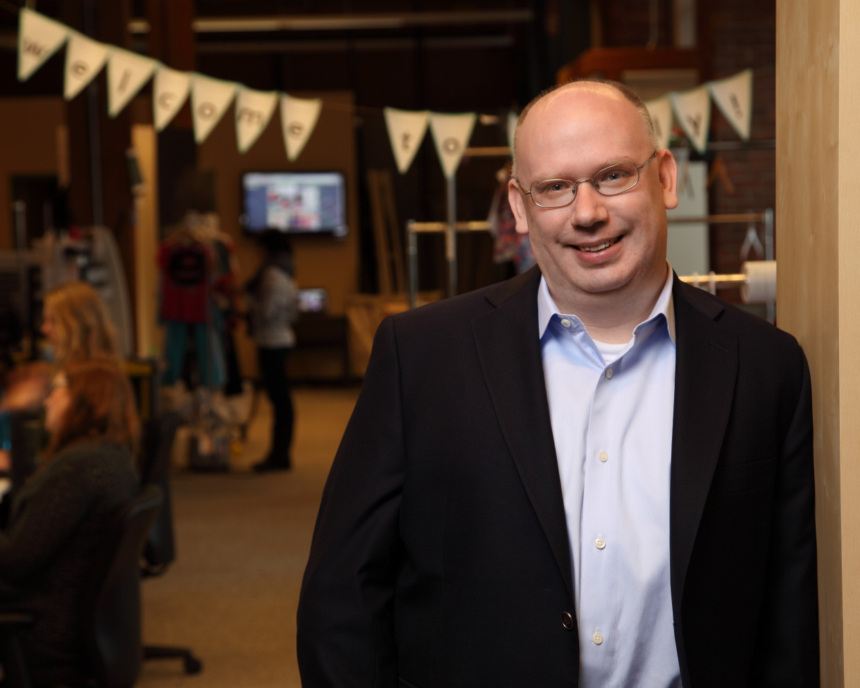 zulily ceo darrell cavens  lead  ventures team  retail powerhouse qvc shopping