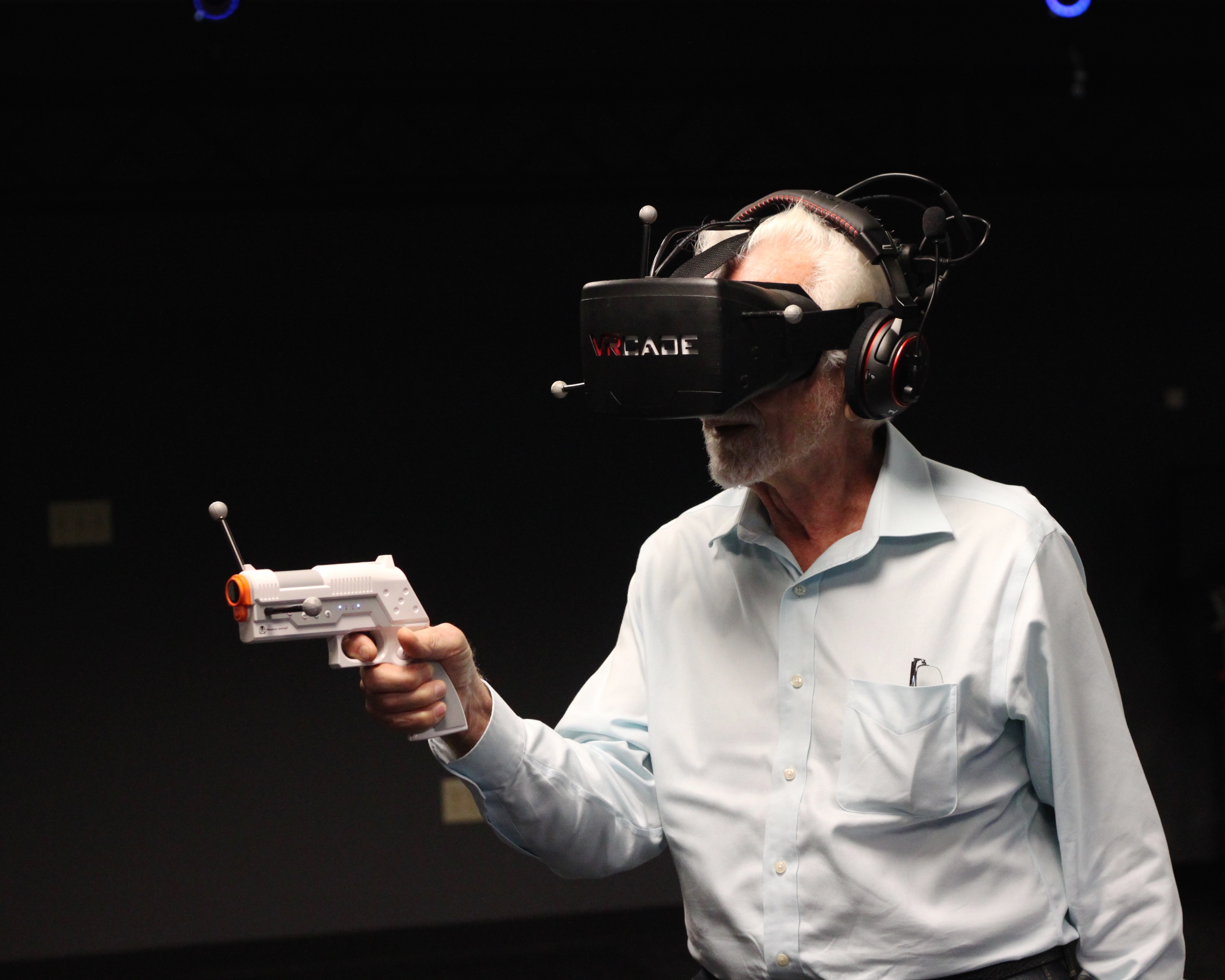 Cell phone inventor Marty Cooper tries out virtual reality at the age of 86.