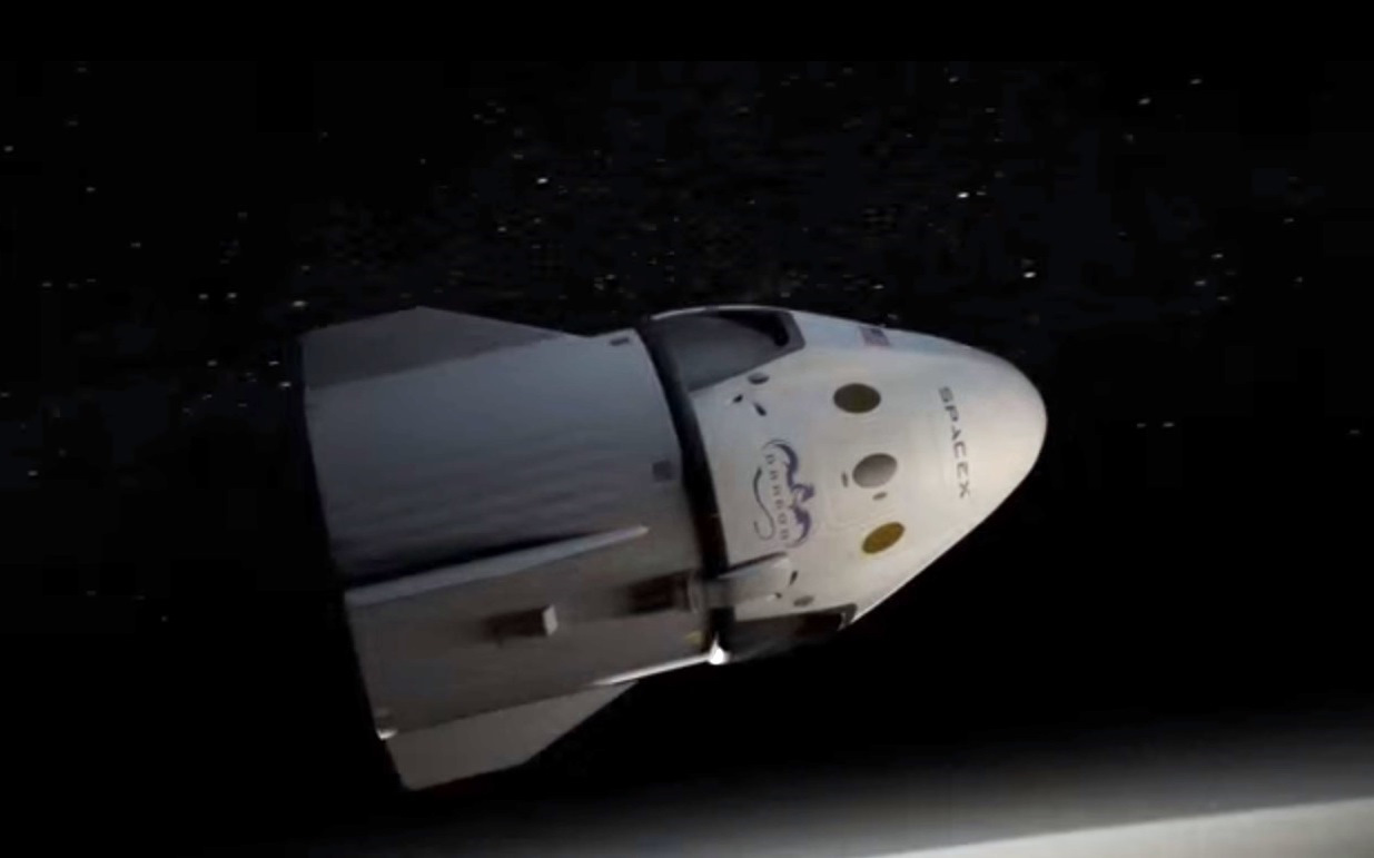 spacex reveals plan to send two private citizens around the moon in 2018 geekwire