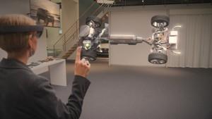 Volvo Cars Microsoft HoloLens experience_01
