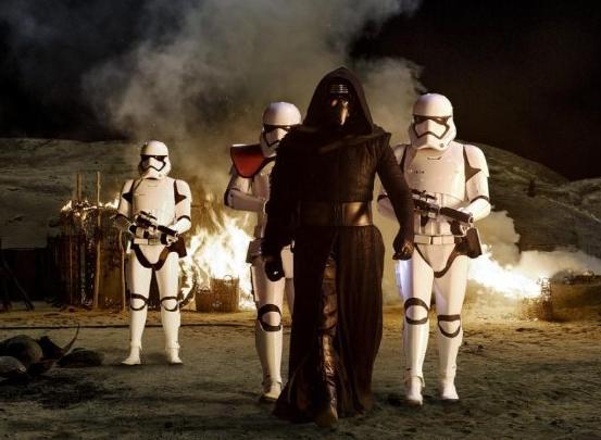 Photo via imdb.com/Star Wars: The Force Awakens