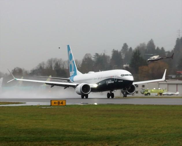 747 MAX takeoff