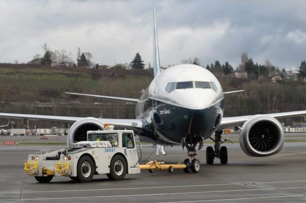 737 MAX towed