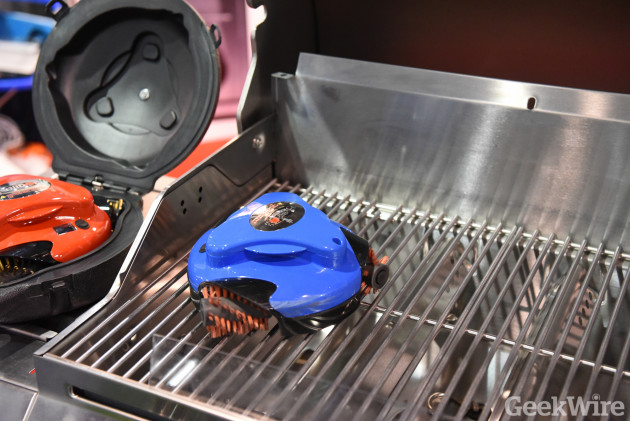 Grillbot grill-cleaning robot