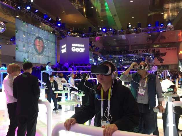 Samsung Gear VR Stadium. Photos via Daniel Rasmus.