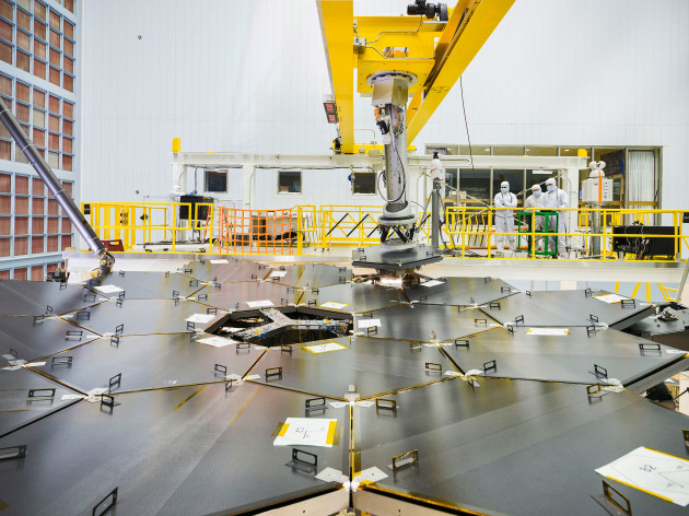 Webb telescope mirror installation