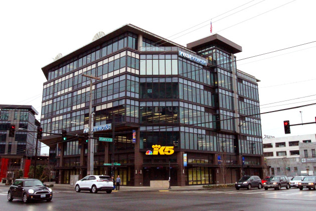 Video inside king tv s new seattle hq with a giant for Furniture movers seattle