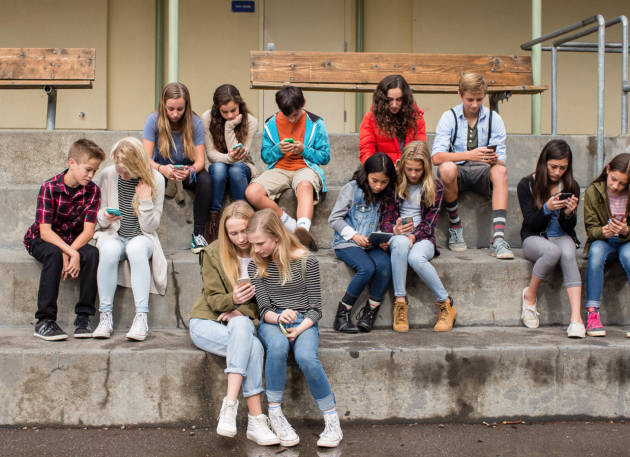 """""""Screenagers"""" tells the story of the habits of teens using mobile devices. (Indieflix)"""