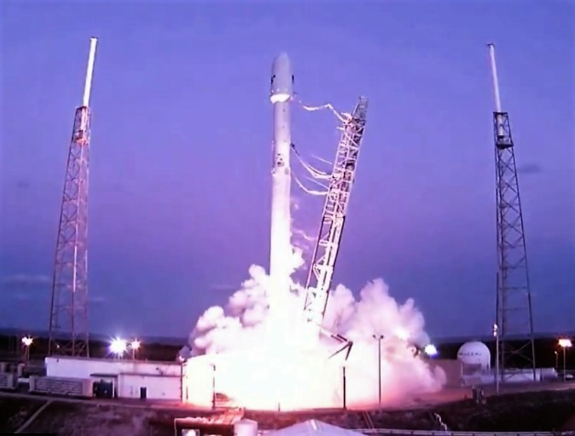 SpaceX set for another try at satellite launch tonight