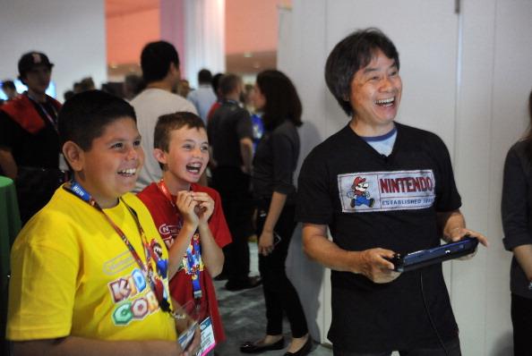 Shigeru Miyamoto plays Mario Maker with kids