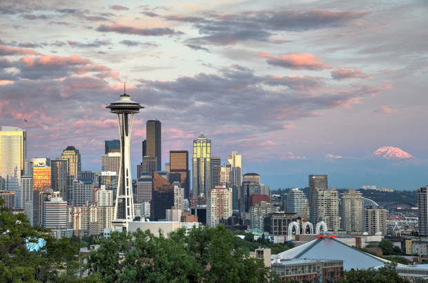 seattle-skyline-rainier-at-sunset-620x410