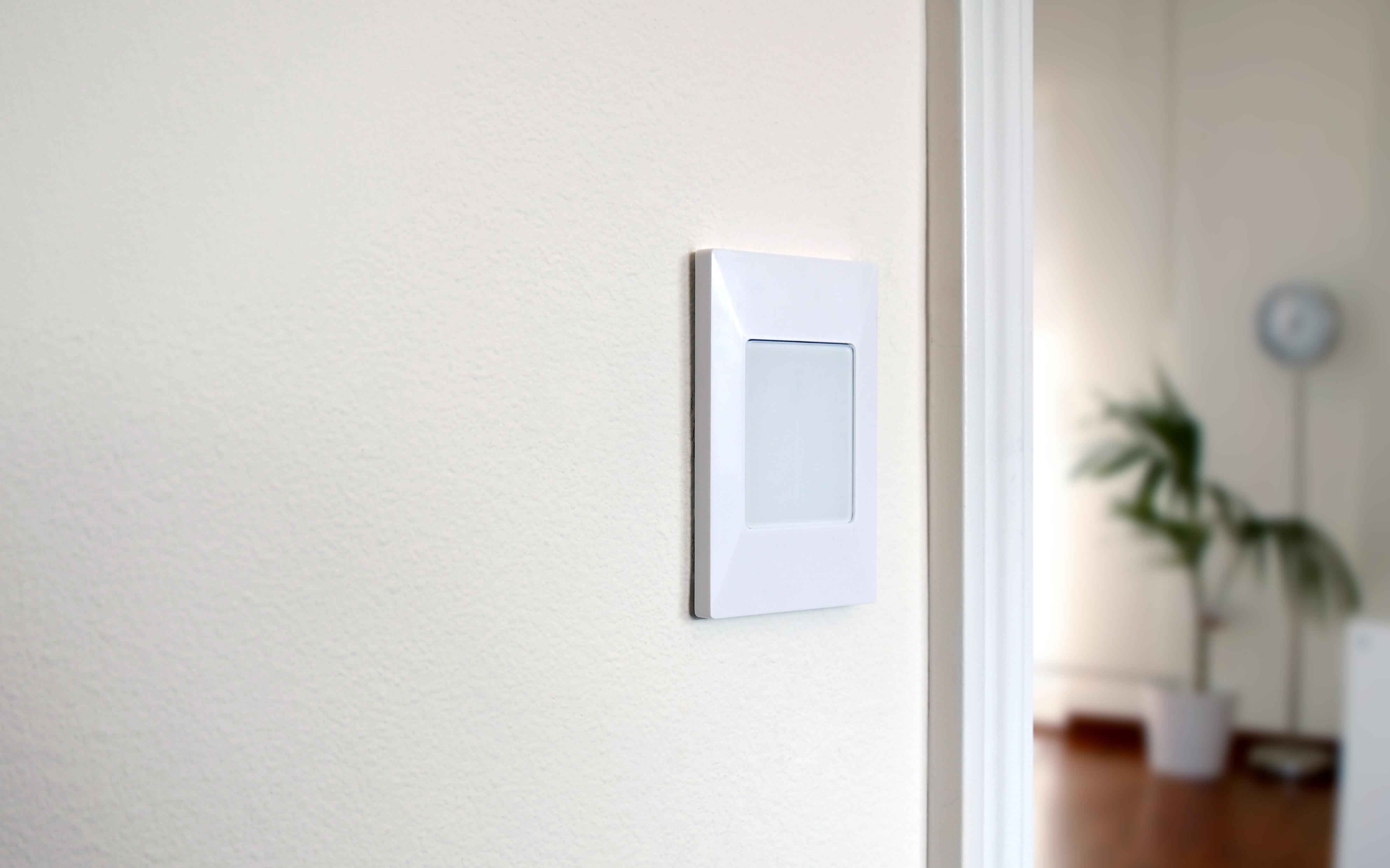 Y Combinator grad Deako raises $1.8M for smart-home light switches ...