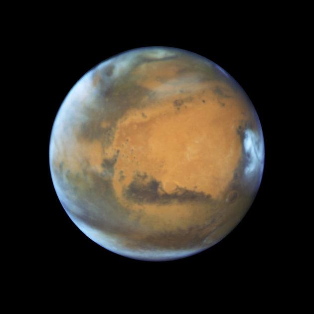 Mars as seen by Hubble