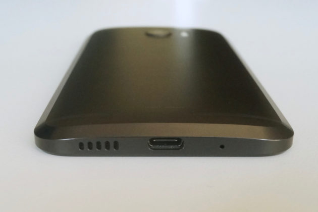 The slightly curved back of the phone fits comfortably in the hand.