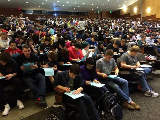 A packed house for UW's introductory programming class. Photo via Hélène Martin.