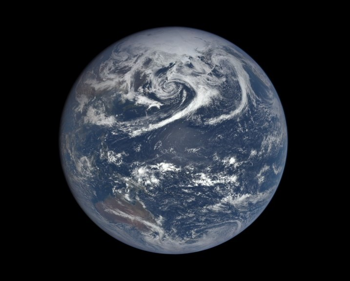 Watch a year's worth of EPIC Earth views in 3 minutes