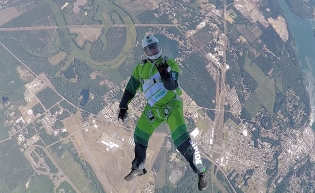Skydiver Luke Aikins without parachute