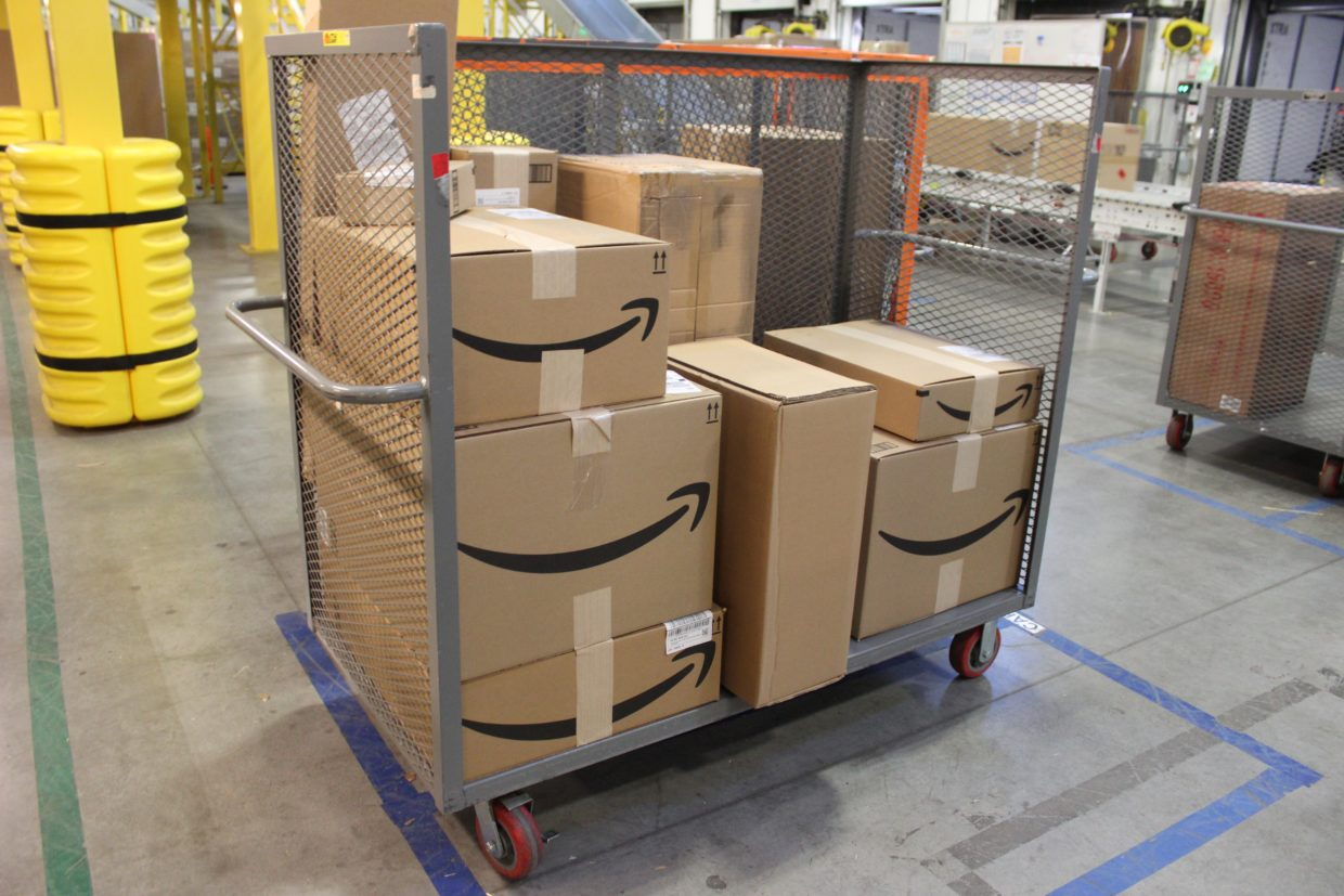sound transit in talks with amazon to place package delivery hubs at seattle area rail stations. Black Bedroom Furniture Sets. Home Design Ideas