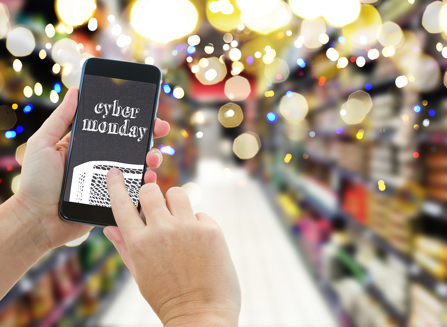 Cyber monday how mobile shopping and free shipping are for Shop online mobili