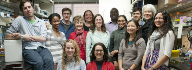 Dr. Overbaugh and researchers and mentees in the Overbaugh Lab. (Fred Hutch Photo)