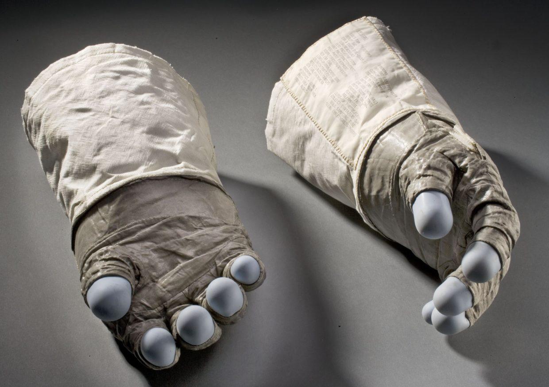 Aldrin's gloves