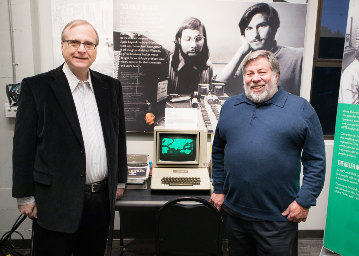 microsoft co founder paul allen meets apple co founder steve wozniak for the first time geekwire. Black Bedroom Furniture Sets. Home Design Ideas