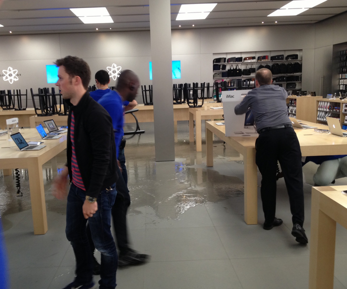 Apple store in Microsoft's backyard floods: Conspiracy or just the Seattle rain?