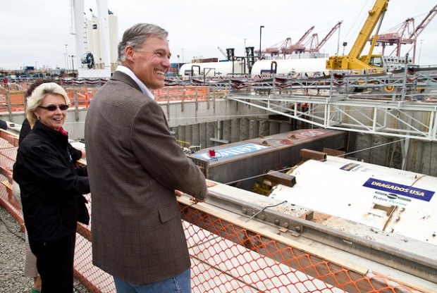Former Gov. Chris Gregoire with current Gov. Jay Inslee visiting the Bertha site. (File Photo, Seattle Tunnel Partners.)