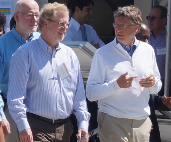 Intellectual Ventures CEO and former Microsoft CTO Nathan Myhrvold with Bill Gates.