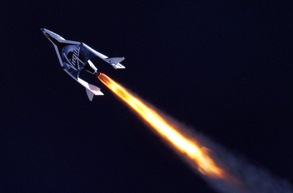 Virgin Galactic's SpaceShipTwo (MarsScientific.com and Clay Center Observatory)