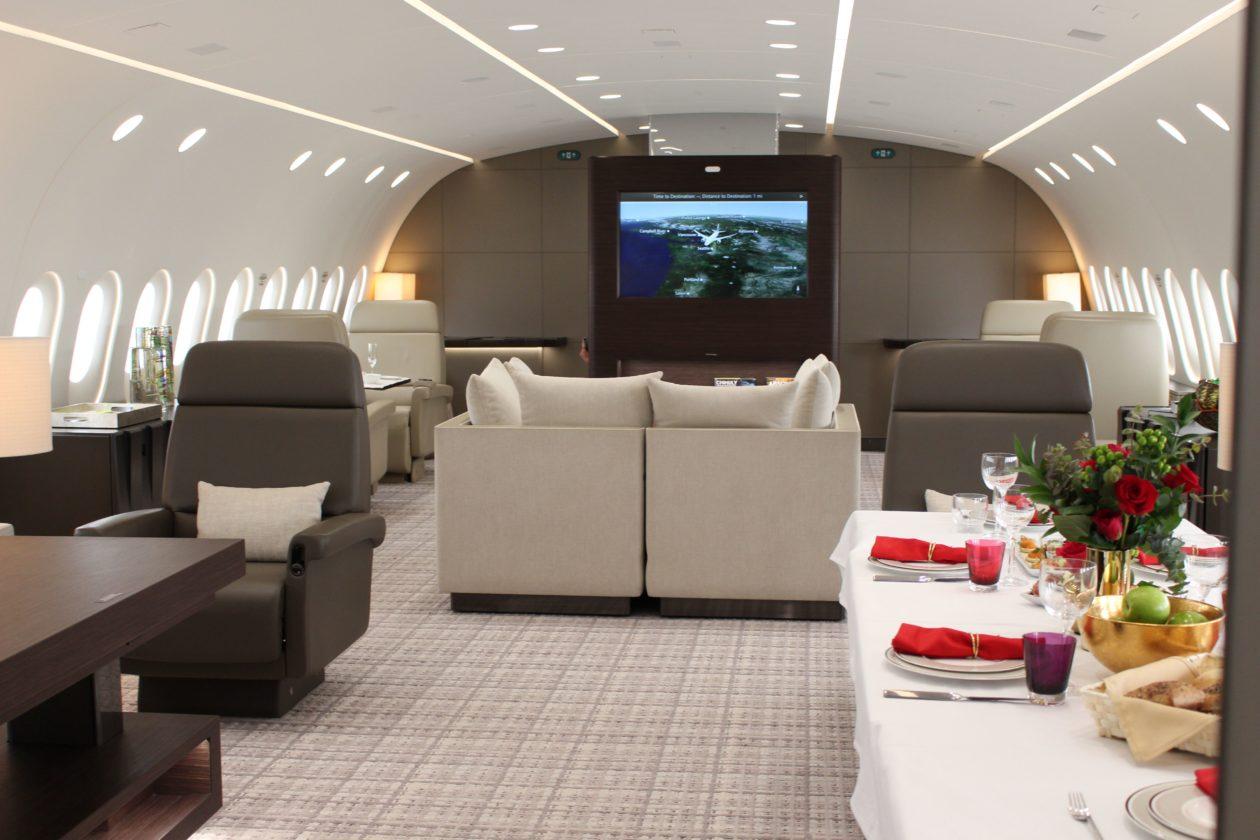 Deer Jet lounge