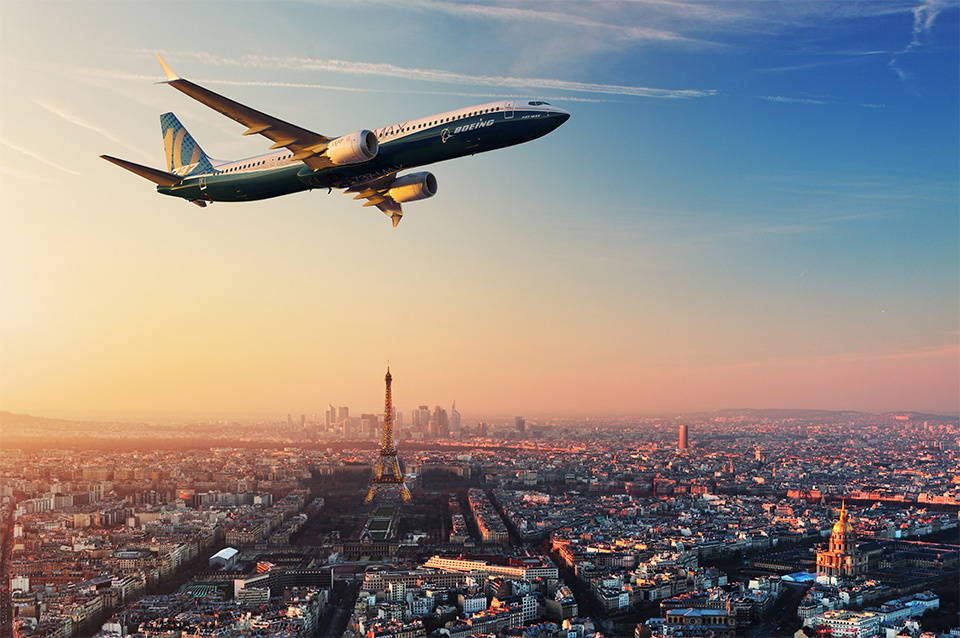 Boeing makes a splash with Paris launch of 737 MAX 10 jet - GeekWire