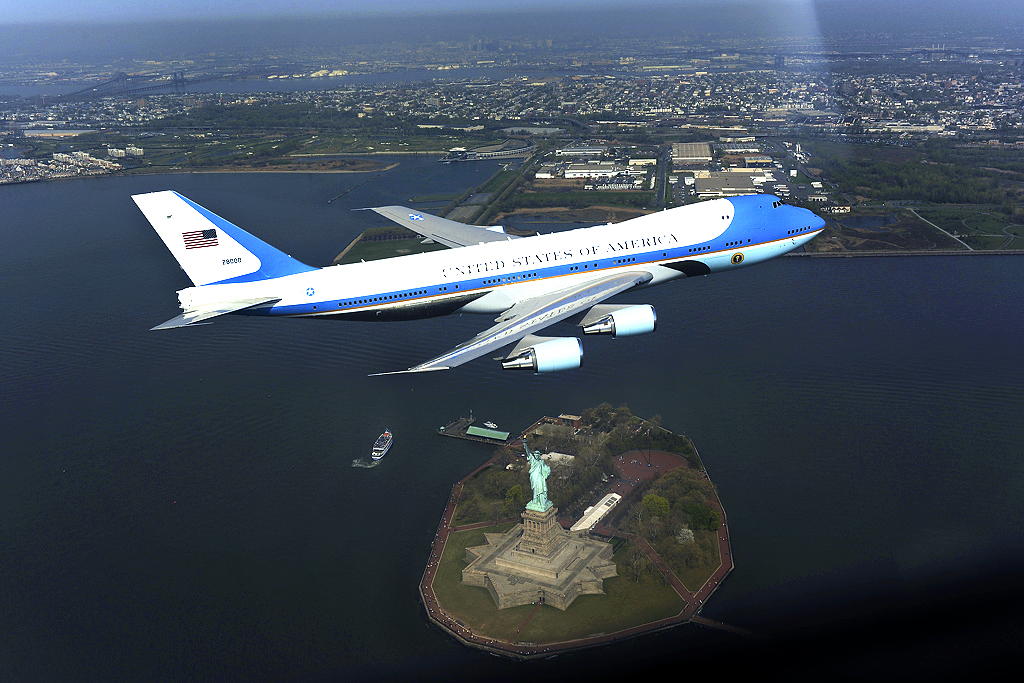 Boeing sells 747s left behind by the Russians as Air Force One ...
