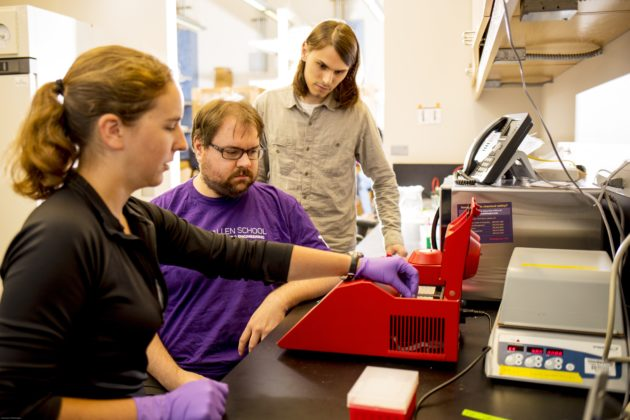 UW researchers with DNA data experiment